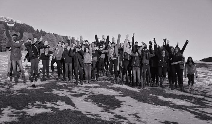 Achtklässler auf Skifahrt in Jochgrimm
