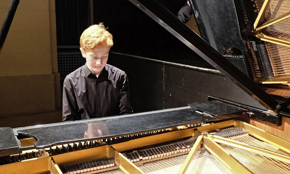 news_pianofriends_2018.01_isaiah